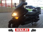 Yamaha T-Max photo
