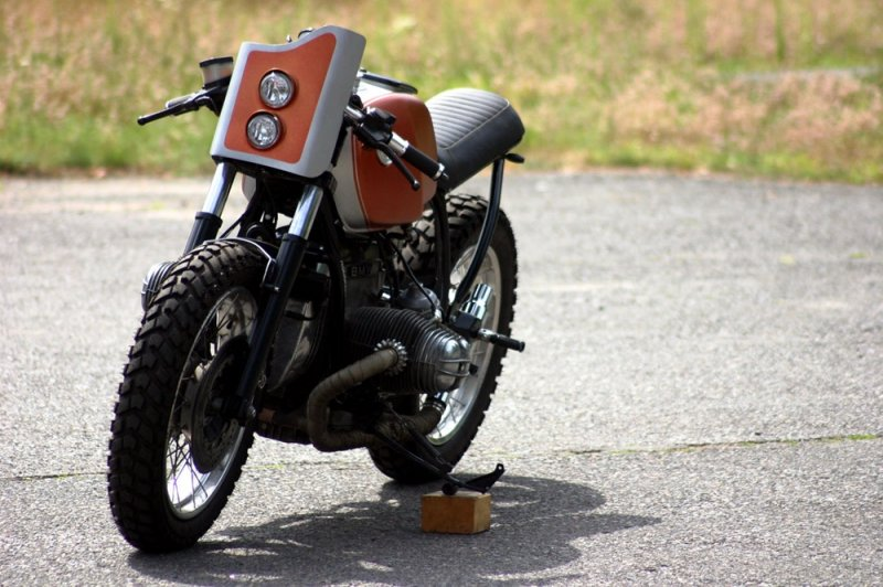 Rough Cycles: BMW R100R Brat Cafe